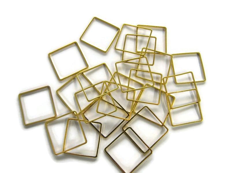 VOORDEELVERPAKKING 50 stuks Ring Vierkant 2 cm diameter GOUDKLEURIG