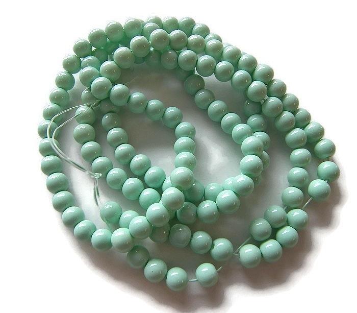 Glaskraal Mint Groen Dyed 6mm (per streng)
