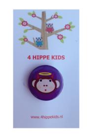 Button paars met apekop bengeltje