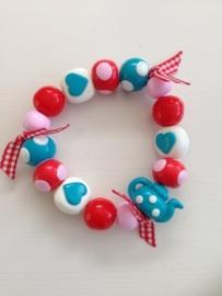 Fimokralen blauw, rood, roze en wit met theepot