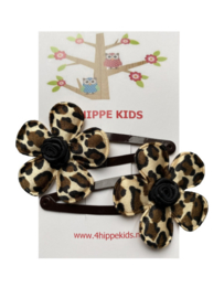 Donkerbruin met bloem luipaard print en zwart roosje