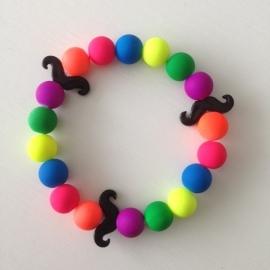 Neon multicolour kralen met zwarte snorren