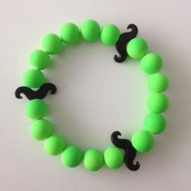Neon licht groene kralen met zwarte snorren