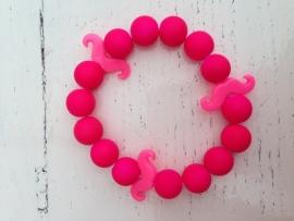 Neon roze armband met roze neon snorren