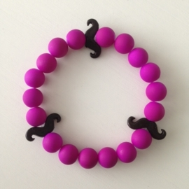 Neon paarse kralen met zwarte snorren