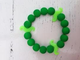 Neon groen armband met neon groene snorren
