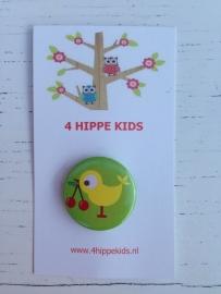 Button groen met vogel en kers