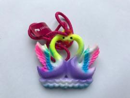 Haarelastiek paarse zwanen met donker roze elastiek