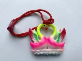 Haarelastiek roze zwanen met rood elastiek