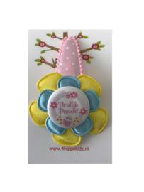 Roze met geel, blauw en Vrolijk Pasen