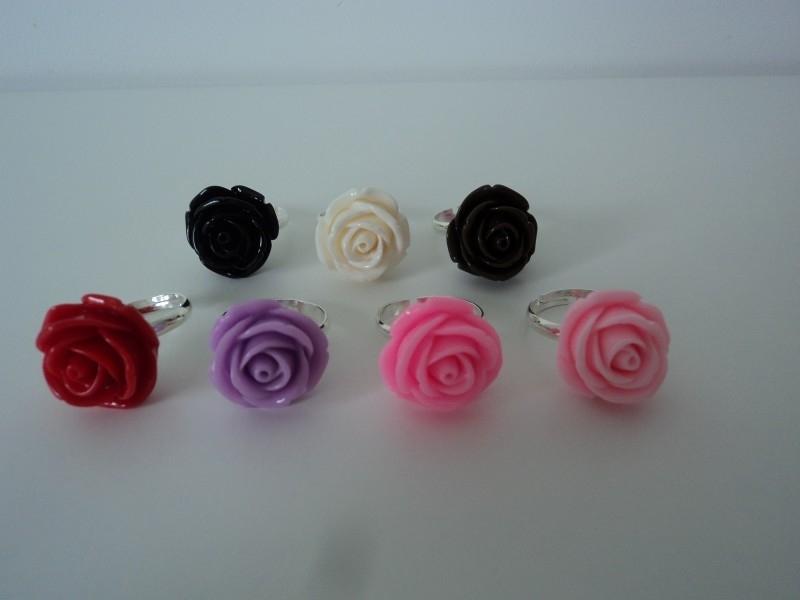 Damesring met mooie roos