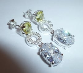 Zilveren oorbellen met zirkonen | 0070