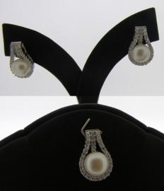 Zilveren parel oorbellen en ketting hanger | SZ002