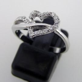 Zilveren ring Hart met zirkonia`s 17 mm | R048