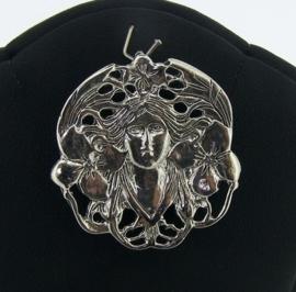 Prachtige zilveren broche / hanger art nouveau vrouwenhoofd
