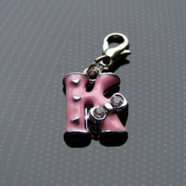 Charm bedel roze - letter K
