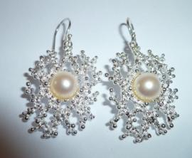 Zilveren oorbellen met parels | 0067