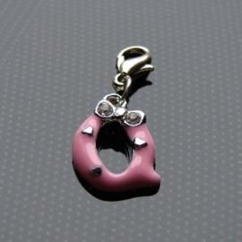 Charm bedel roze - letter Q