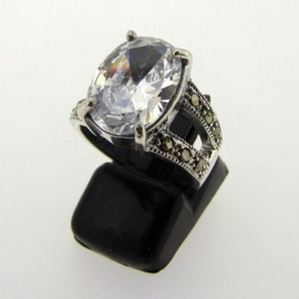 Zilveren ring met BIG zirkonia maat 16mm | R028