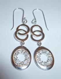 Lange Zilveren oorbellen met zirkonen | 0069