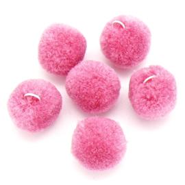 Pompom bedel 15mm met zilver oogje kleur roze (POM15-004)