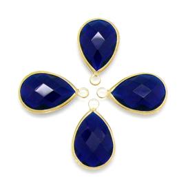Druppelvorm bedel met facetgeslepen glassteen met gouden rand - maat 5x13x22mm - kleur indigoblauw