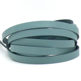 DQ leren band smal 10mm - 2,1 dik circa 100cm lang - kleur trend Provence Blue (PL10-027)