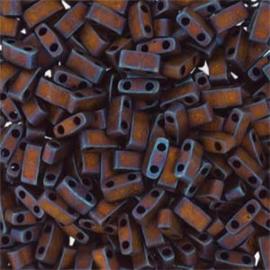 HTL-2005 Miyuki Half Tila 5x2,3mm - 5 gram - kleur matte metalic dark raspberry iris