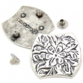 10-0150 concho met pin vierkant met ronding 30x33mm