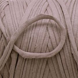 Gipsy koord - licht elastisch textielgaren - ongeveer 20mm breed - lengte 1m - kleur grey taupe (GIPSY B-23)