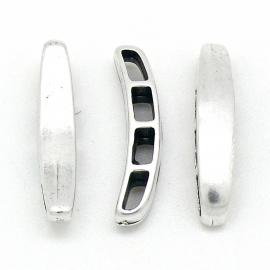 DQ metaal iets gebogen spacer met 4 gaten van 3x6mm maat 8x33mm (B04-151-AS)