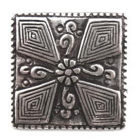 10-0104  concho met pin vierkant sierlijk 28mm