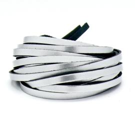 leren band smal 6mm dik ca.2mm ca. 90cm lang - kleur zilver (OL-01)