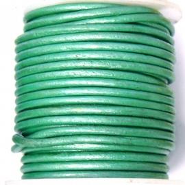 DQ leer 2mm rond (1 meter) kleur mint groen metalic (M18101)