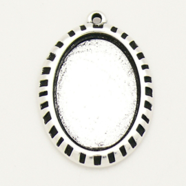 DQ metaal bedel ovaal setting voor cabochon maat 18x25mm (maat bedel 24x33mm) (B02-185-AS)