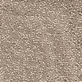 MR15-2021 Miyuki Rocailles 15/0 - 5 gram - kleur matte cream