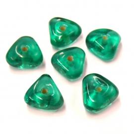(BJG-005) glaskraal driehoek 13mm groen - 10 stuks