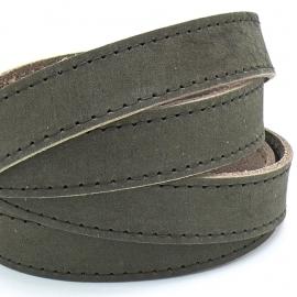 platte leerband Buffel volnerf gestikt leer kleur bruin, 2,1 dik - breed 20mm - lengte 20cm (PL20-003)