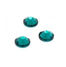 swarovski platte steen SS30 7 mm emerald