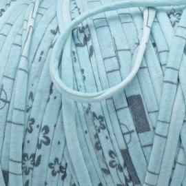 Gipsy koord - licht elastisch textielgaren - ongeveer 10mm breed - lengte 1m - kleur blue suprise (GIPSY B-20)