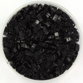 HTL-0401 Miyuki Half Tila 5x2,3mm - 5 gram - kleur opaque black