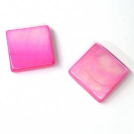 schelp vierkant 15x15mm kleur parelmoer fuchsia (BJSC005)