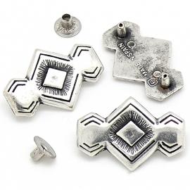 10-0138 concho met pin drieluik maat 29x20mm