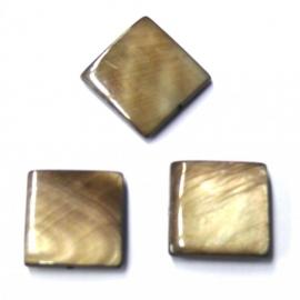 schelp vierkant 15x15mm kleur parelmoer taupe (BJSC026)
