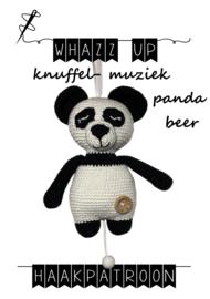 WHAZZ UP haakpatroon knuffel/ muziek pandabeer