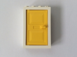 Wit deurkozijn met gele deur (4130 + 4131)