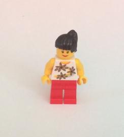Poppetje met bloemenhemd (twn094)