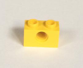 Technische steen 1x2 geel met gat (3700)