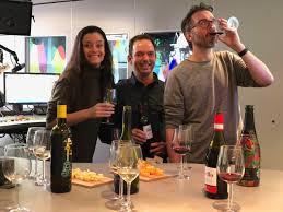 Eva Kooreman krijgt een wijnproeverij @3FM