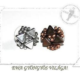 Oorknopjes 'Zina', ontwerp Eva Kovacs, met o.a. Khéops®